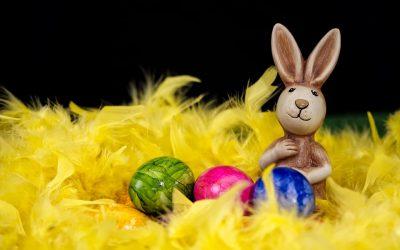 Pääsiäisen aukiolo!